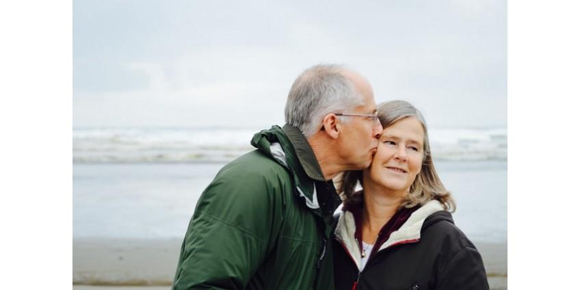 Секс после климакса: можно ли заниматься интимной жизнью после менопаузы, как она влияет и получит ли женщина удовольствие
