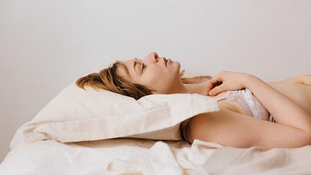 как лучше мастурбировать девушке